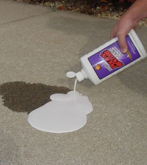 clean a dirty concrete floor on the house